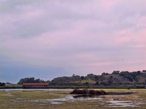 El Molino de Santa Olaja en la Marisma del Joyel, un espacio natural salvado de la especulación y que hoy se ha convertido en el icono de un modelo de desarrollo turístico sostenible.